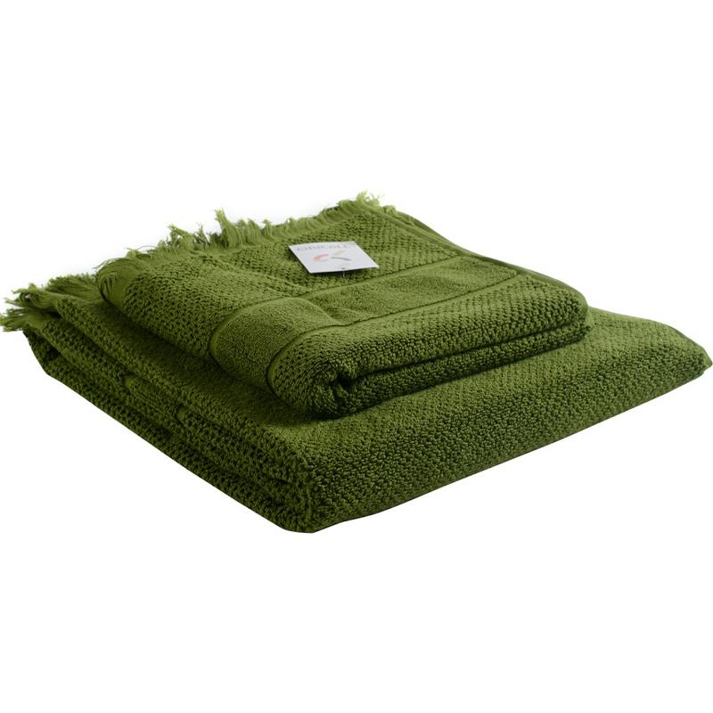 Банное полотенце с бахромой оливково-зеленого цвета Essential 70х140 фото