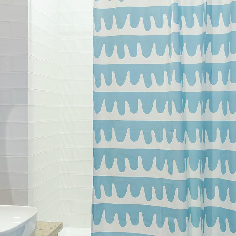 Штора для ванной Popple голубого цвета Cuts&Pieces 180х200 фото
